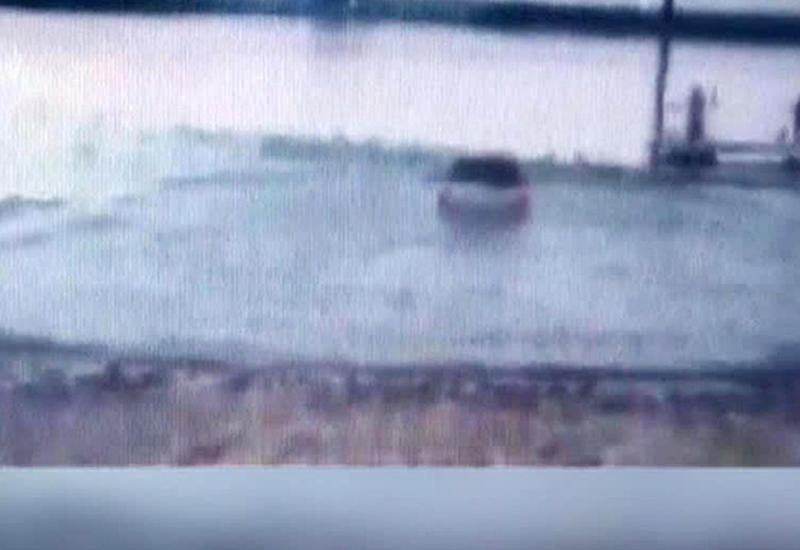 Житель Техаса едва не утонул, спасаясь на машине от полиции