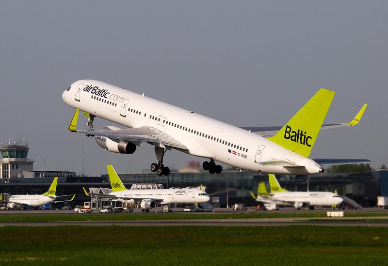 Латвийская авиакомпания открыла представительство в Баку