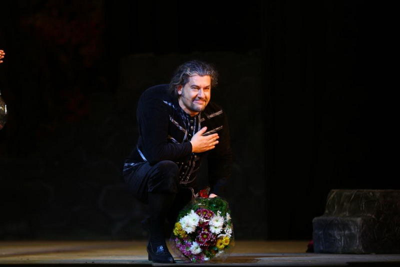 """Феерическая постановка """"Риголетто"""" на сцене Театра оперы и балета"""
