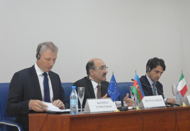 В Баку обсудили вопросы управления сектором культуры