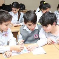 В Азербайджане могут начать наказывать учителей за плохие оценки учеников