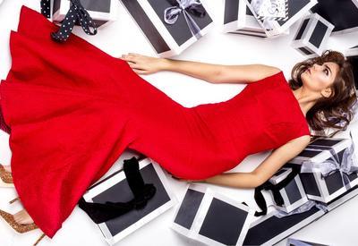 """Какого цвета платье надеть на Новый год 2018 <span class=""""color_red"""">- ФОТО</span>"""