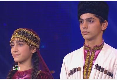 """Азербайджанский национальный танец на российском телеканале <span class=""""color_red"""">- ВИДЕО</span>"""