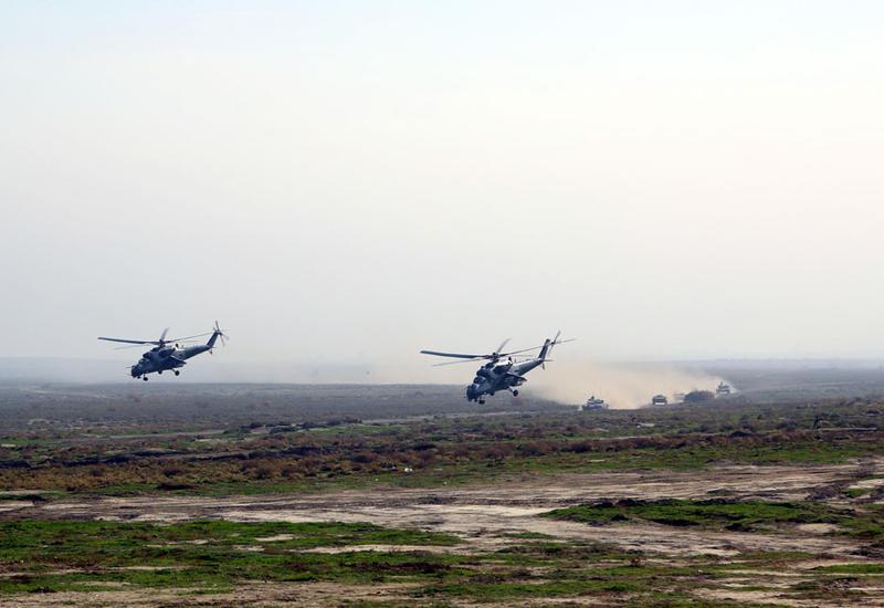 """Масштабные учения азербайджанской армии с боевой стрельбой <span class=""""color_red"""">- ФОТО</span>"""