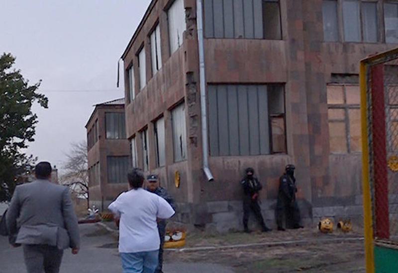 Родители армавирских школьников грозят отрезать область от Еревана