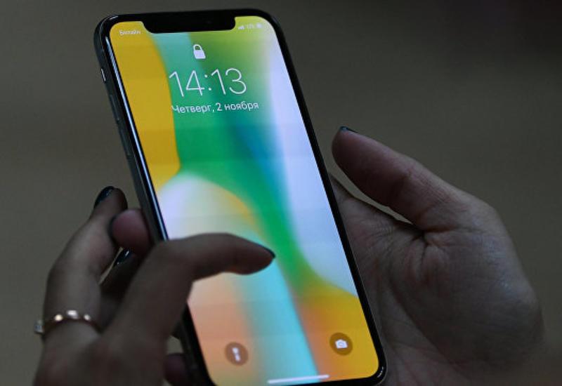 В Китае студентов заставили собирать iPhone X