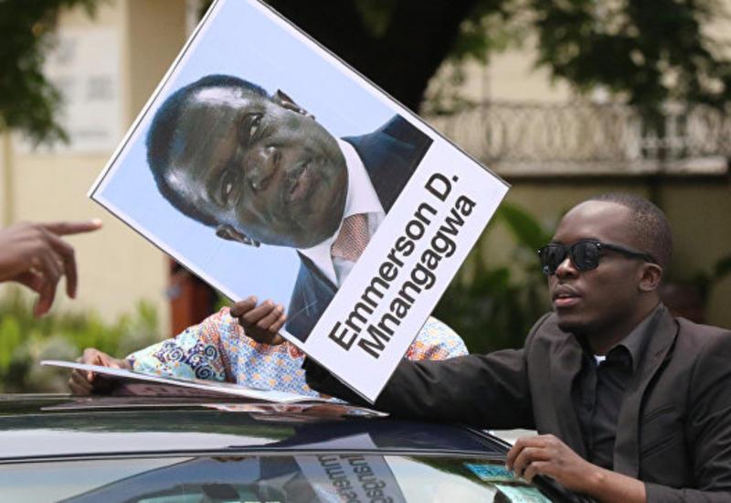 Бывший вице-президент Зимбабве займет пост Мугабе в течение двух суток