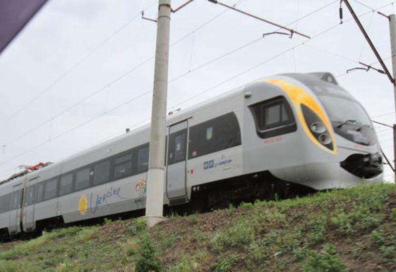В Польше поезд столкнулся с экскаватором