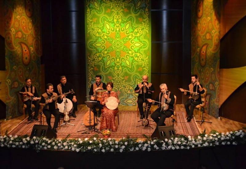 """В Центре мугама состоялся концерт в рамках проекта «Мугам и духовность» <span class=""""color_red"""">- ФОТО</span>"""