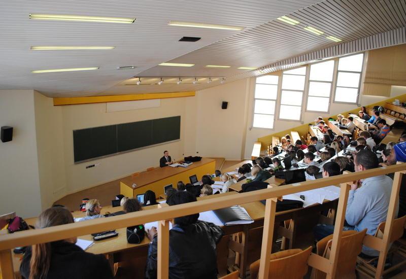 В Азербайджане выросло число студентов, обучающихся на английском языке