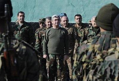 """Российским генералам омерзительно пожимать руки террористам Саргсяна <span class=""""color_red""""> - ВЗГЛЯД ИЗ МОСКВЫ</span>"""