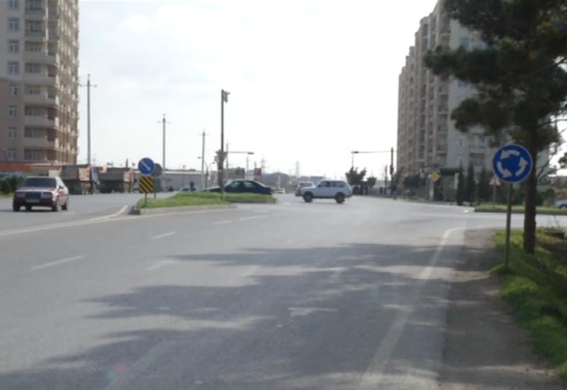 """Bu yolda qoyulan yol nişanları sürücüləri çaşdırır <span class=""""color_red"""">- VİDEO</span>"""