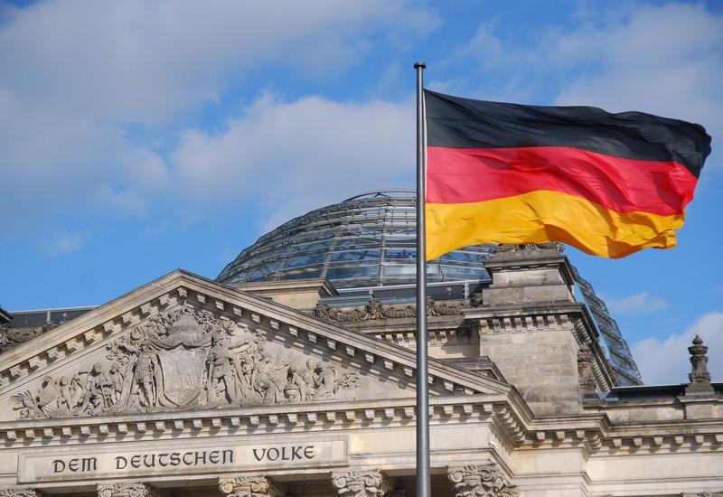 Германия приняла 12 пациентов с коронавирусом из Италии и 30 из Франции