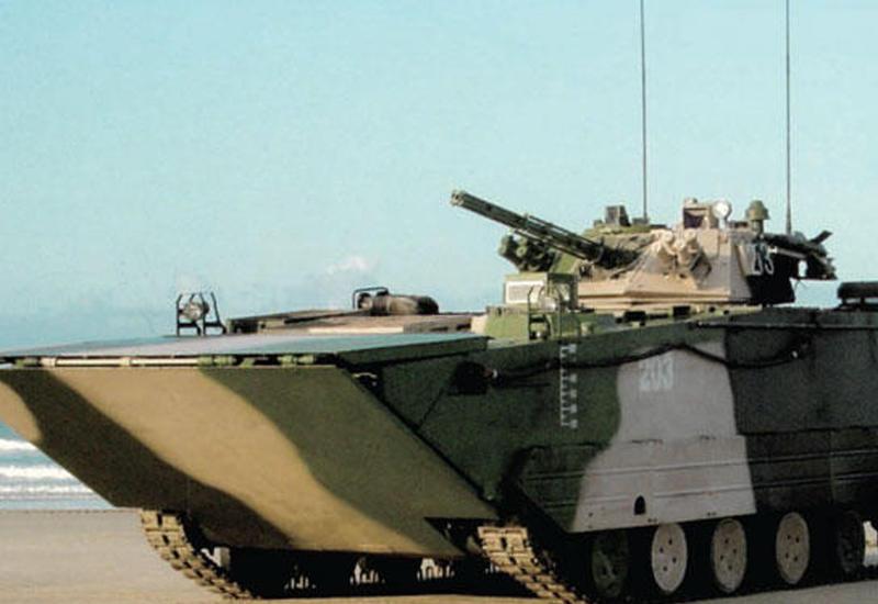 """Китайские военные представили скоростной танк-амфибию <span class=""""color_red"""">- ВИДЕО</span>"""