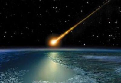 """Очевидцы засняли на видео падение ярчайшего метеорита <span class=""""color_red"""">- ВИДЕО</span>"""