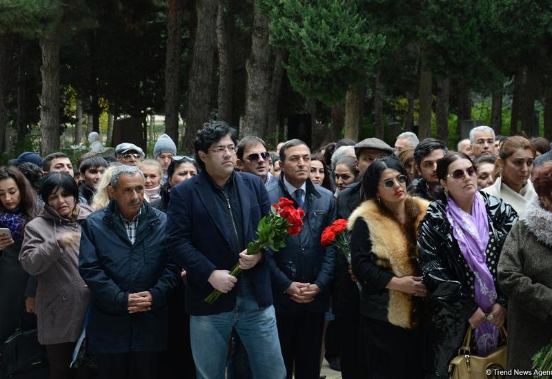 Известные деятели культуры почтили память Фикрета Амирова
