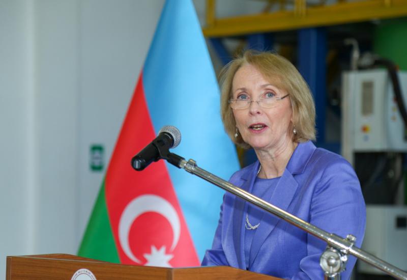 Госминистр Великобритании посетит Азербайджан