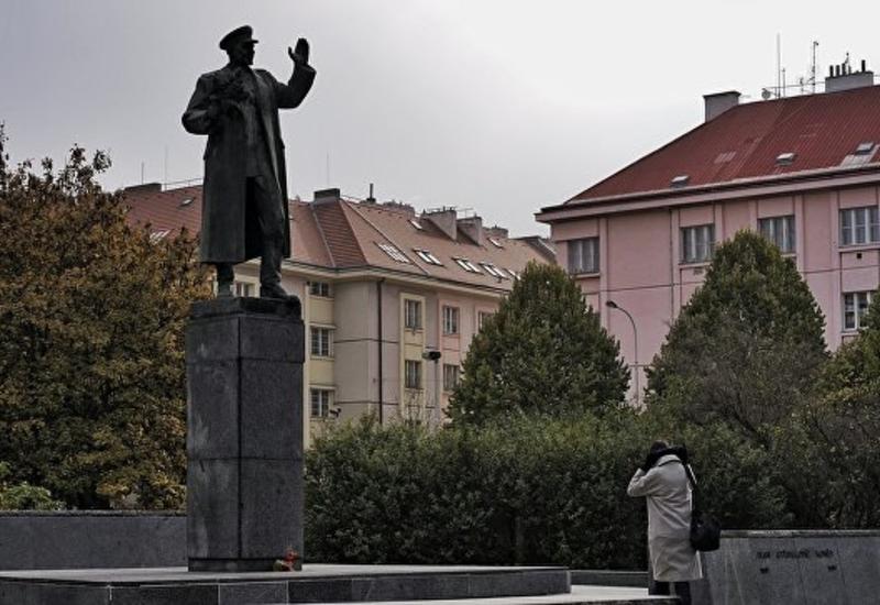 В Праге осквернили памятник маршалу Коневу