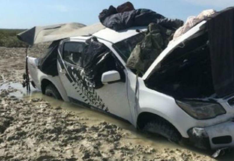 """Рыбаки провели пять дней на крыше автомобиля, спасаясь от крокодилов <span class=""""color_red"""">- ФОТО</span>"""