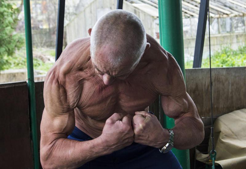 """В 70 лет выглядеть на 40: как пенсионер-бодибилдер из Беларуси объявил войну старости <span class=""""color_red"""">- ФОТО</span>"""