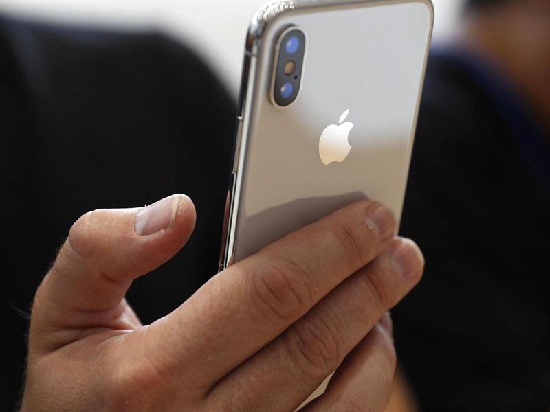 Профессионалы показали очередной взлом iPhone X при помощи маски