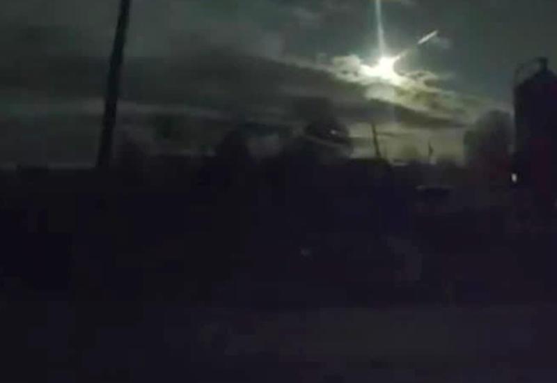 Очевидцы засняли падение метеорита в России