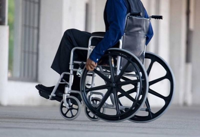 Людям с инвалидностью облегчат передвижение по центру Баку