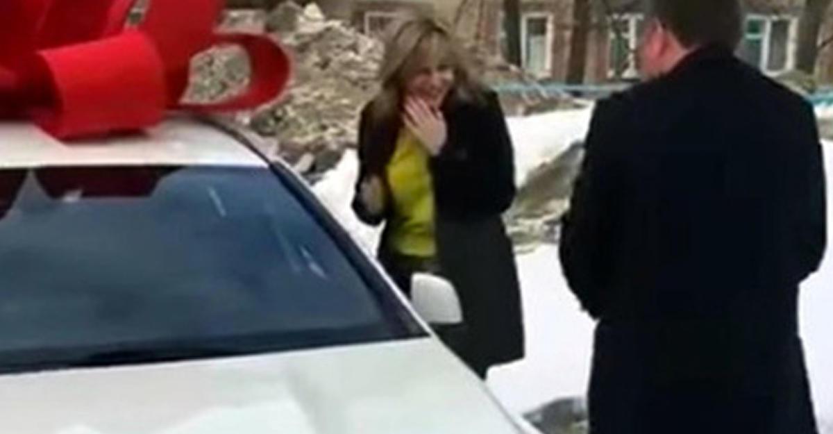 ВУфе сократили полицейского— борца скоррупцией, подарившего жене Mercedes