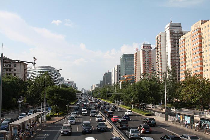 Китаец попался напопытке самовольно поменять дорожную разметку— Дураки идороги