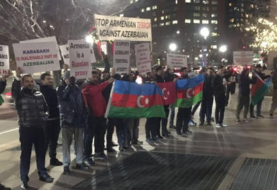 """В Бостоне прошла акция протеста азербайджанской общины <span class=""""color_red"""">- ФОТО</span>"""