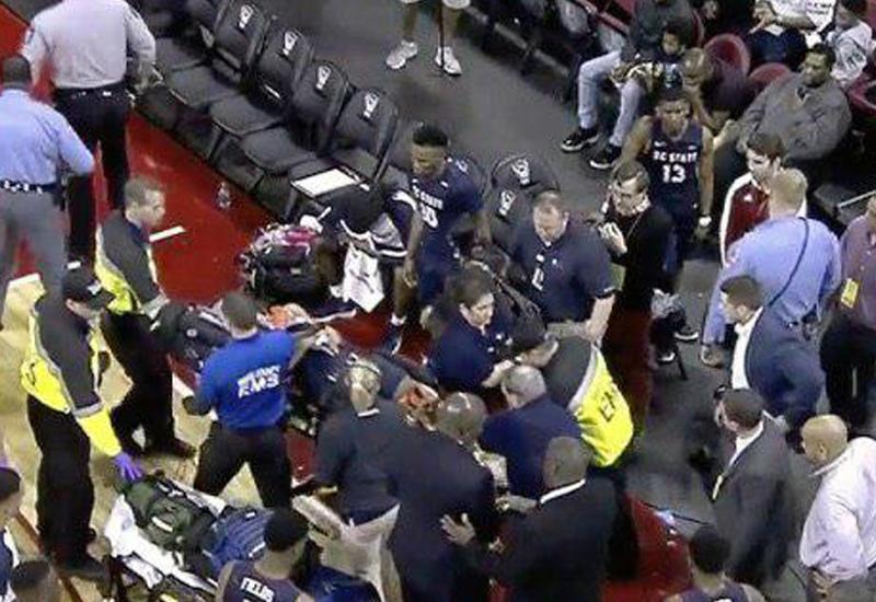 У американского баскетболиста остановилось сердце во время игры