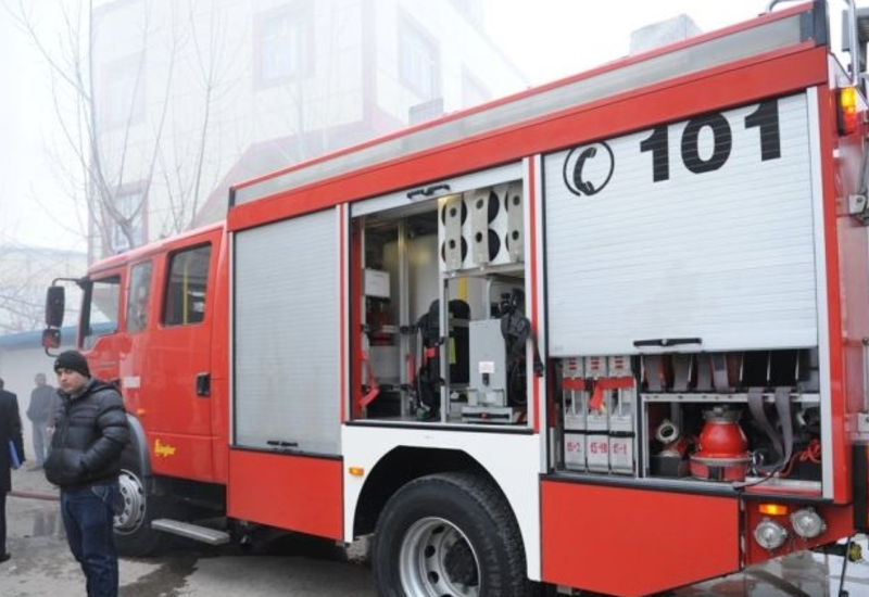 Крупный пожар в Хырдалане: есть пострадавшие