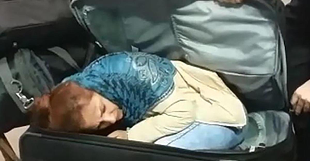 ВТурции задержали гражданина Грузии, который вез вчемодане женщину