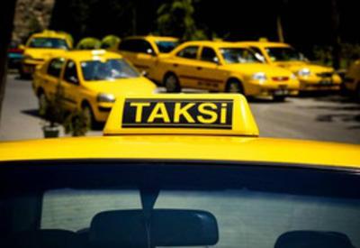 В Баку неизвестные угнали такси вместе с водителем