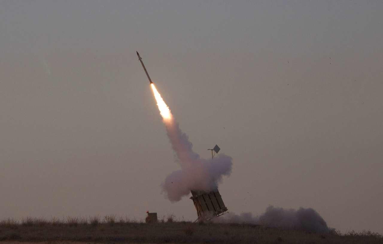 Двое палестинских боевиков погибли после авиаударов Израиля посектору Газа