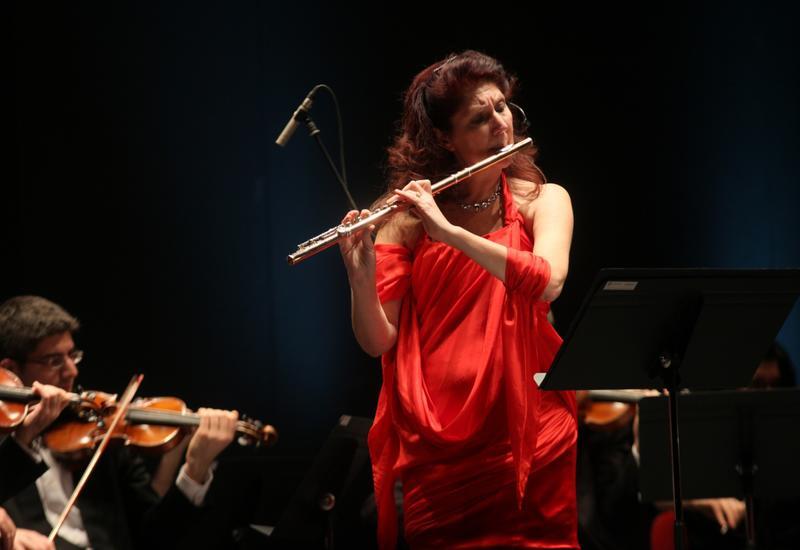 В Центре мугама выступит знаменитая итальянская флейтистка