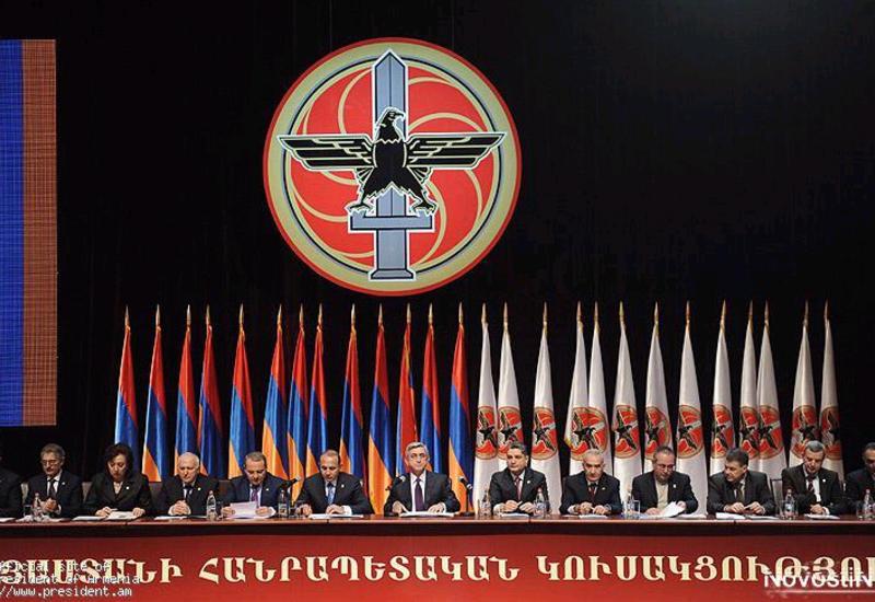 Партии Саргсяна пригрозили расправой за плевок в лицо народу