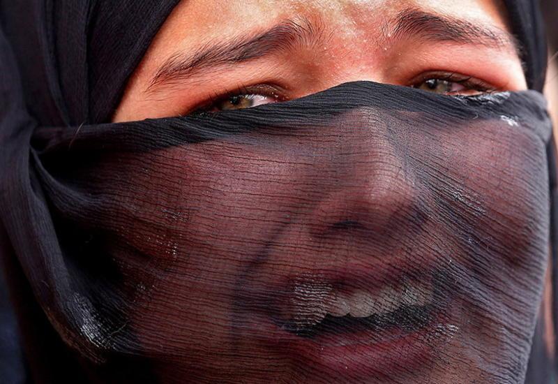 """Святая кровь, мрак и слезы на лучших снимках года от Reuters <span class=""""color_red"""">- ФОТОССЕСИЯ</span>"""