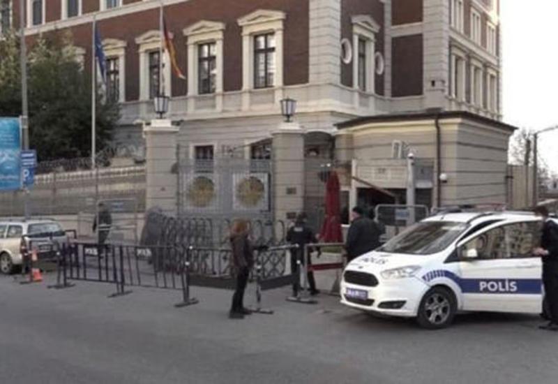"""В Стамбуле около консульства Германии обнаружен подозрительный пакет <span class=""""color_red"""">- ФОТО</span>"""