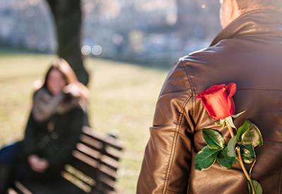 Ученые выяснили, почему половина людей испытывает дискомфорт на свиданиях