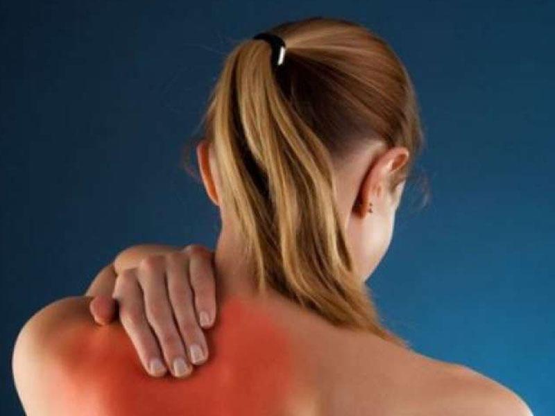 Остеохондроз шеи отдает боль в руку