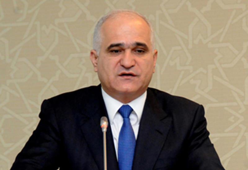Шахин Мустафаев на переговорах с представителем ЕБРР