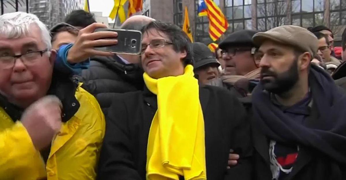 Евро снизился после победы приверженцев независимости навыборах вКаталонии