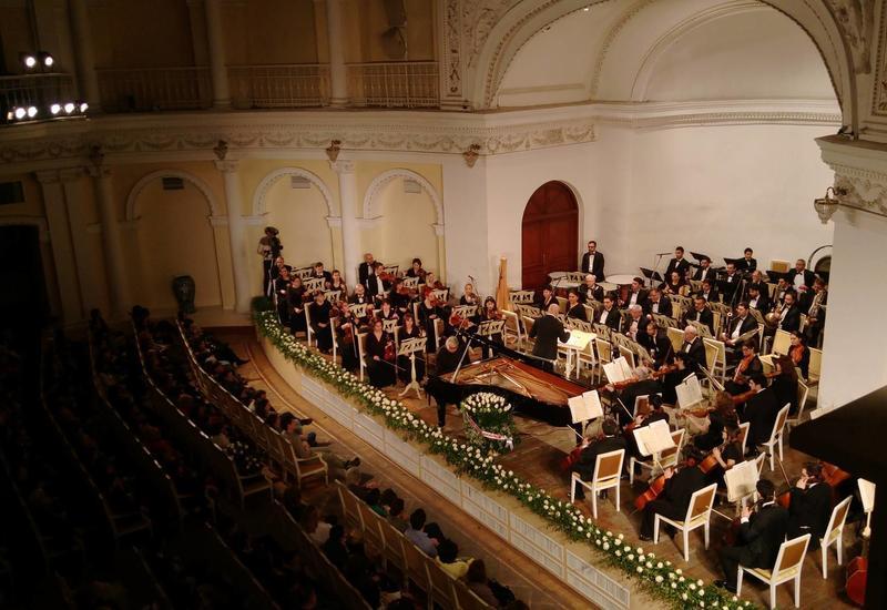 В Филармонии прошел великолепный концерт, посвященный юбилею Фархада Бадалбейли