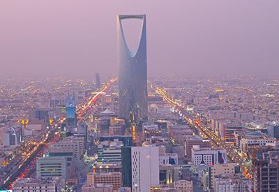 В Саудовской Аравии освободили более 20 подозреваемых в коррупции