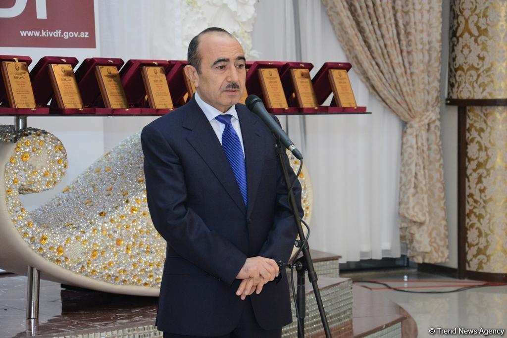 Али Гасанов: Азербайджанское государство придает особое значение медиа, использует возможности СМИ для построения мостов между государством и обществом