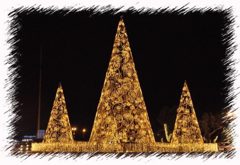 Баку в ожидании праздника: новогоднее убранство столицы