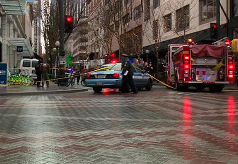 Фургон влетел в толпу пешеходов в Вашингтоне
