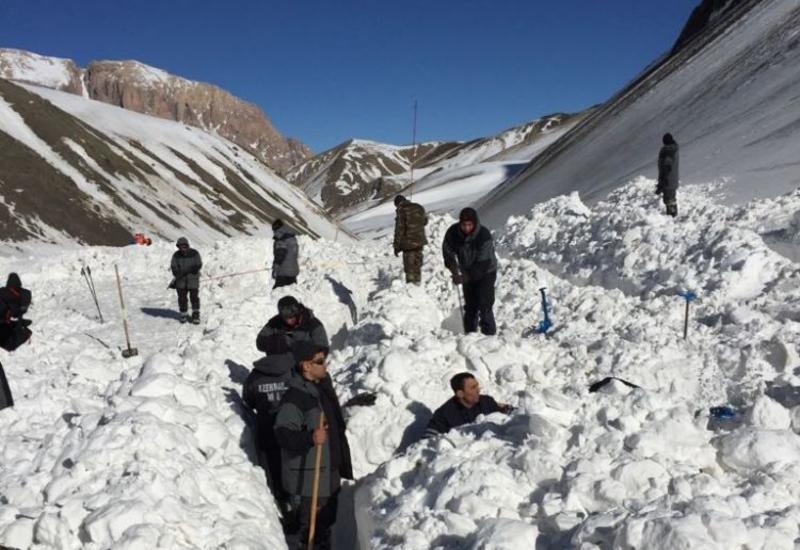 К поискам азербайджанских альпинистов подключились специалисты ANAMA