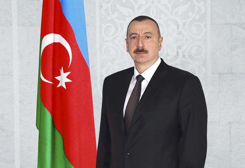Президент Ильхам Алиев поздравил главу ЮАР